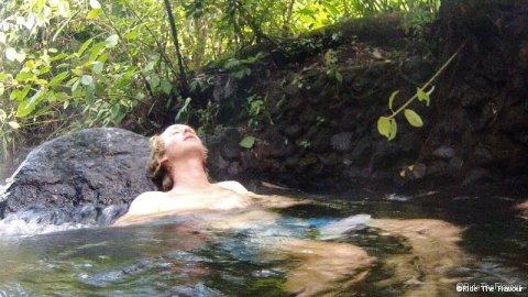 Se baigner dans un torrent d'eau chaude... Extase.